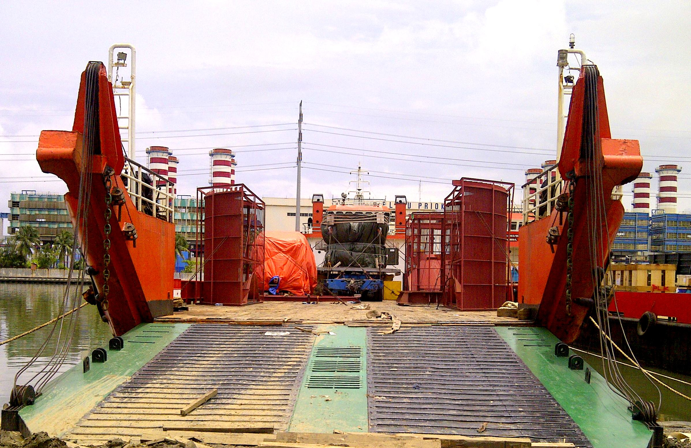 Brief Transporting and handling numerous cargoes break bulk GC OD Heavy lift and containerized of Project Semen Indonesia from Tg Priok Port to Cement